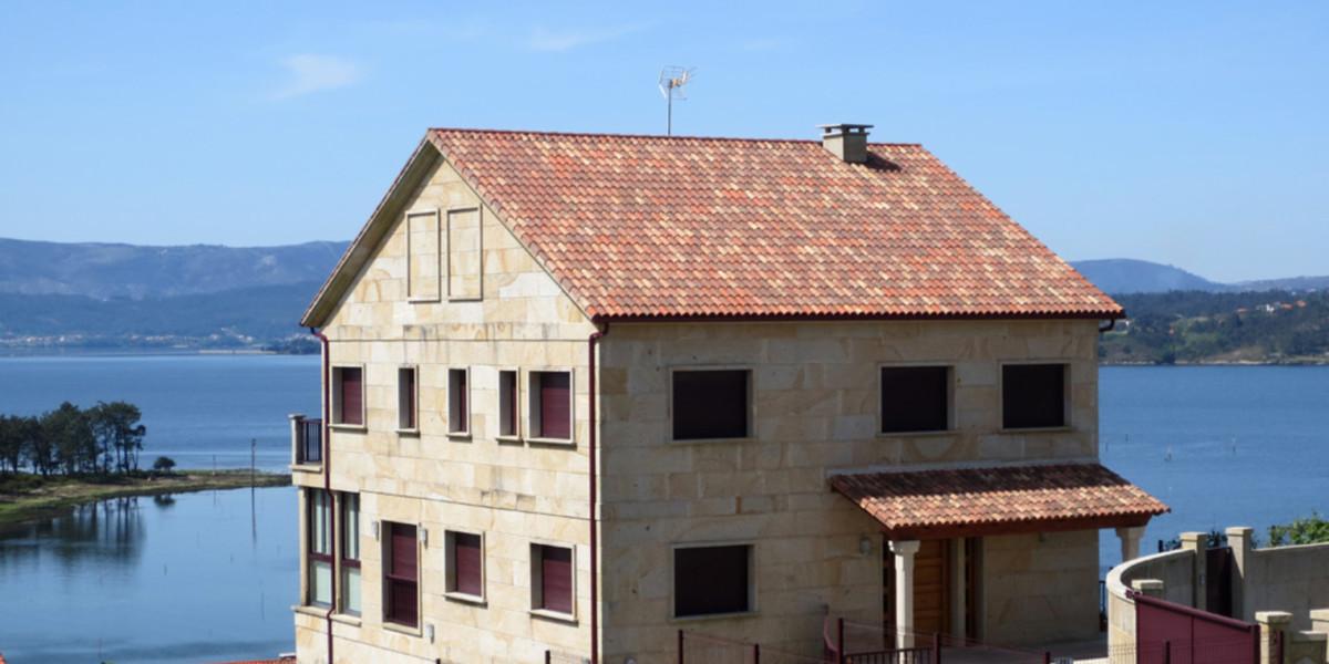 07Urb-San-Roque-en-Villagarcia-de-Arosa_TejaCurva_Verea_40x15_jacobea
