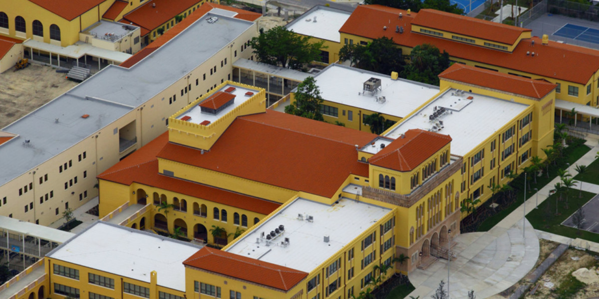 Miami-Senior-High-School-Miami-Florida-Teja_Vera-Curva50x21yS-roja