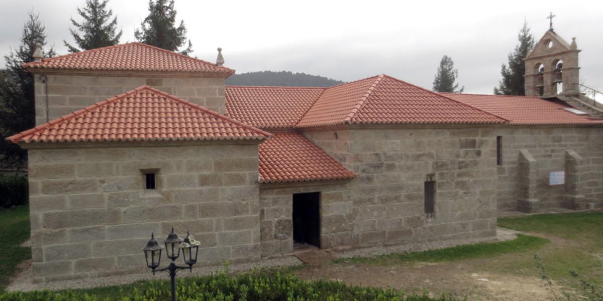 Parroquia-de-Santiago-de-Covelo-teja-40x15-roja