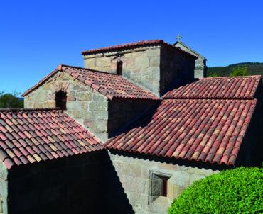 El templo visigodo de Santa Comba de Bande recuperó su esplendor con una nueva cubierta de Verea